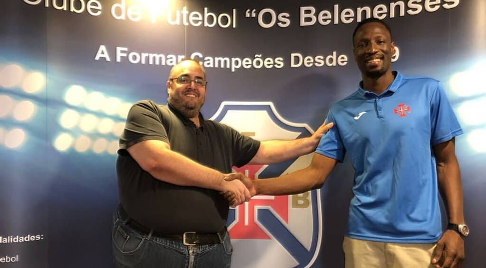 Extremo Mohamed Camara é reforço do Basquetebol do Belenenses