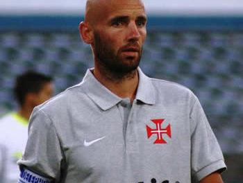 Rescisão de contrato com Mitchell Van der Gaag