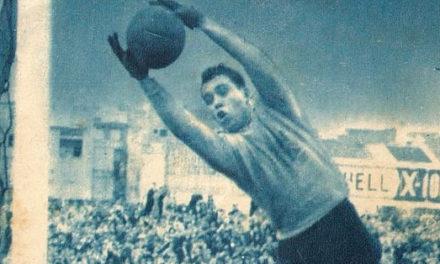 25 Abril 1965 – José Pereira defende Penalty, na Checoslováquia, garantindo a vitória de Portugal, para o Mundial de 1966