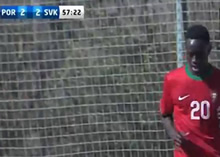 Dálcio Gomes a marcar na estreia