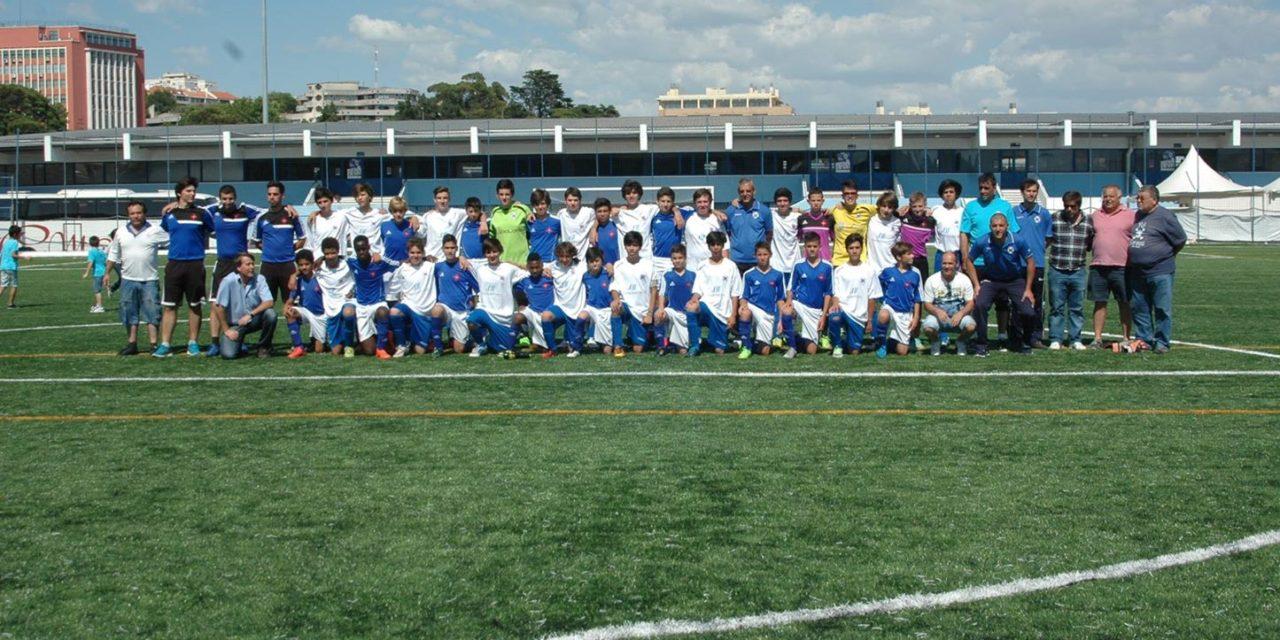 """Sub-15 do Clube de Futebol """"Os Elvenses"""" no Restelo"""