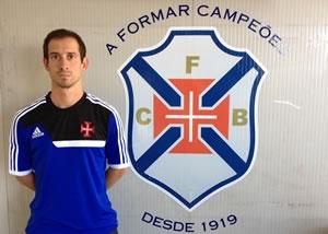 Prof. Pedro Lourenço no comando técnico dos Juvenis