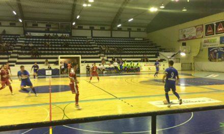 Futsal de grande qualidade na apresentação aos sócios