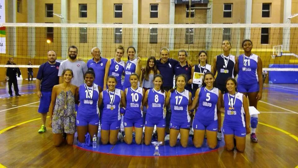 Voleibol Feminino com uma vitória e uma derrota
