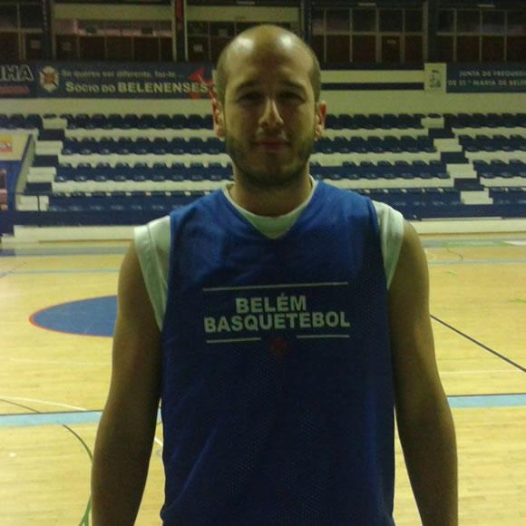 Filipe Machado reforça basquetebol