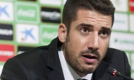 Julio Velázquez no comando técnico do futebol profissional