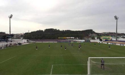 Sub-19 empatam em Torres Vedras