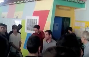 Juvenis em visita solidária (Vídeo)