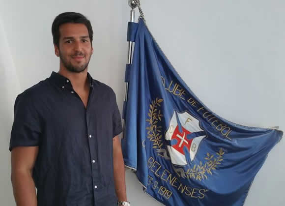 Miguel Espinha renova por mais uma época