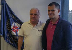 Prof. João Florêncio Jr. no comando técnico do Andebol