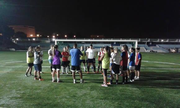 Futebol feminino apresenta-se domingo