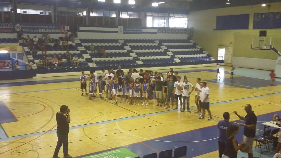 Deslize frente ao Estoril Basket