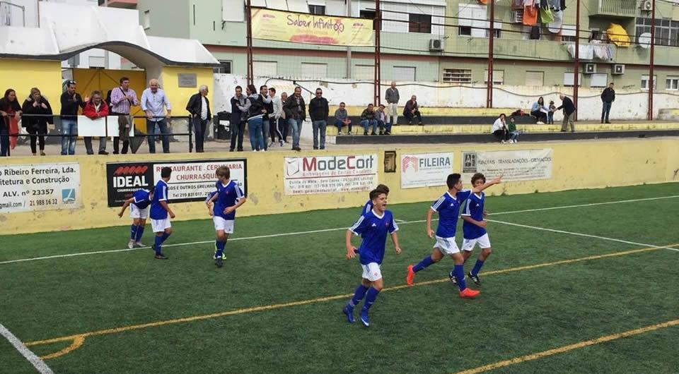 Vitória frente ao Loures no Campeonato Nacional de Sub-15