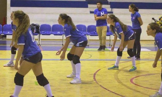 A semana do Voleibol: primeira jornada competitiva da formação com o apoio das seniores.