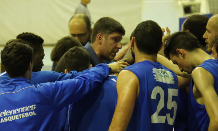 Sérgio Ramos mantém-se no comando técnico do basquetebol azul