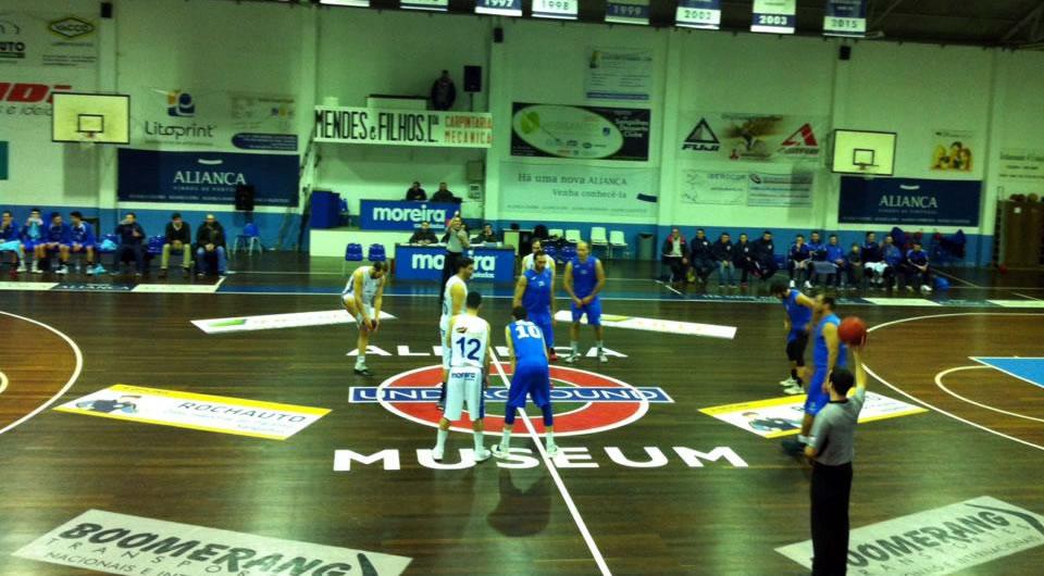Vitória em Sangalhos reforça posição dos azuis