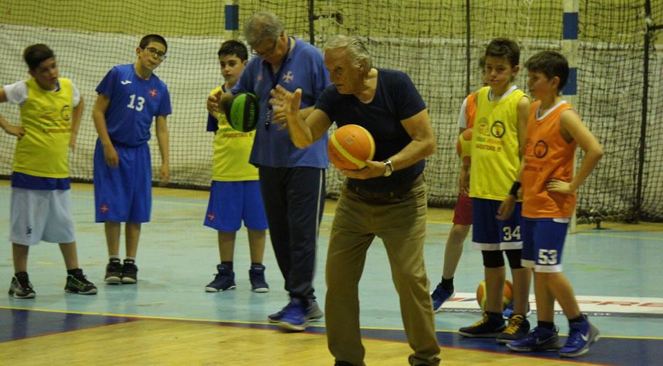 Maurizio Mondoni orientou treino no Restelo