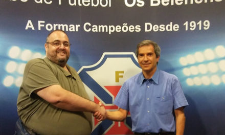 Prof. João Correia mantém-se no comando do Voleibol
