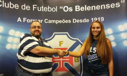 Alice Vicente avança para mais uma época no voleibol azul