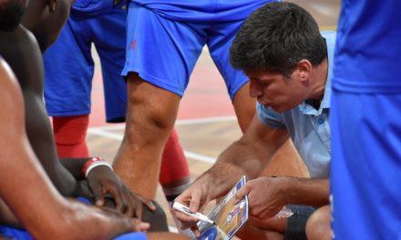 Azuis avançam para a segunda vitória no Troféu António Pratas