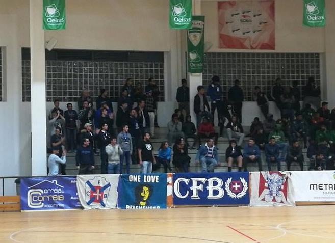Futsal | Adeptos em Porto Salvo