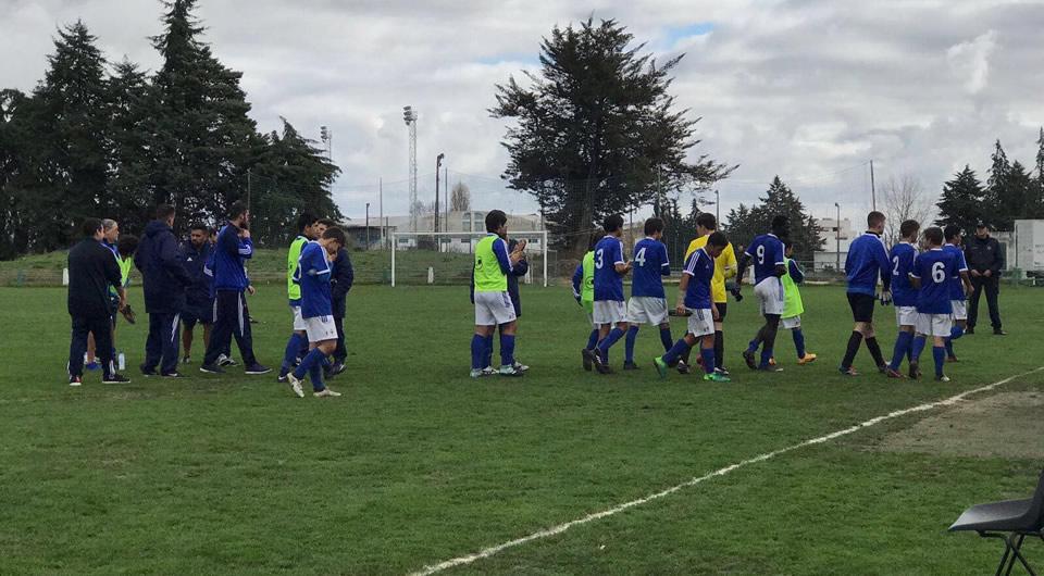 Sub-15 vencem em Oeiras e consolidam posição de relevo na tabela