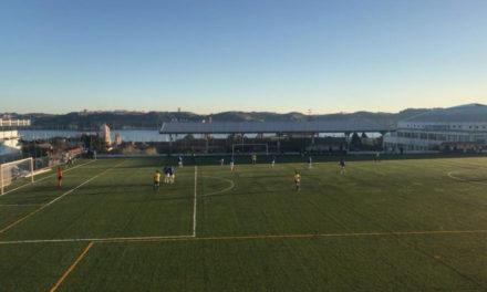 Sub-19 azuis vencem no regresso ao Restelo e avançam para os 13 pontos