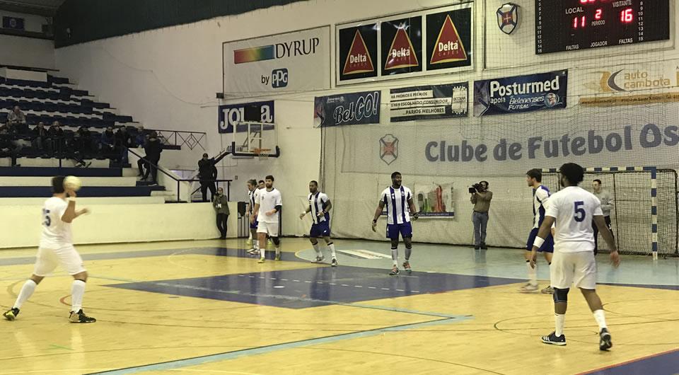 Azuis perdem com o FC Porto e caem nos quartos-de-final da Taça