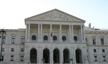Belenenses na FPF e em audiência na Assembleia da República