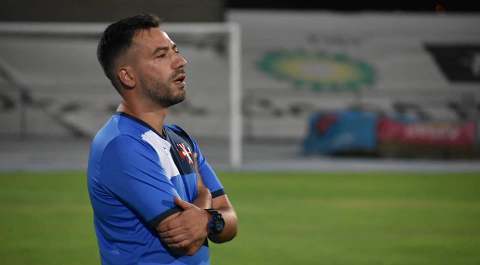 Nuno Oliveira mantém-se no comando técnico do futebol da Cruz de Cristo