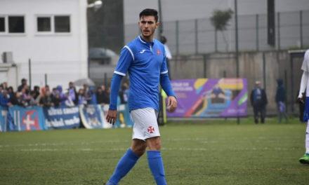 Dois golos de Tomás Castro em vitória muito suada