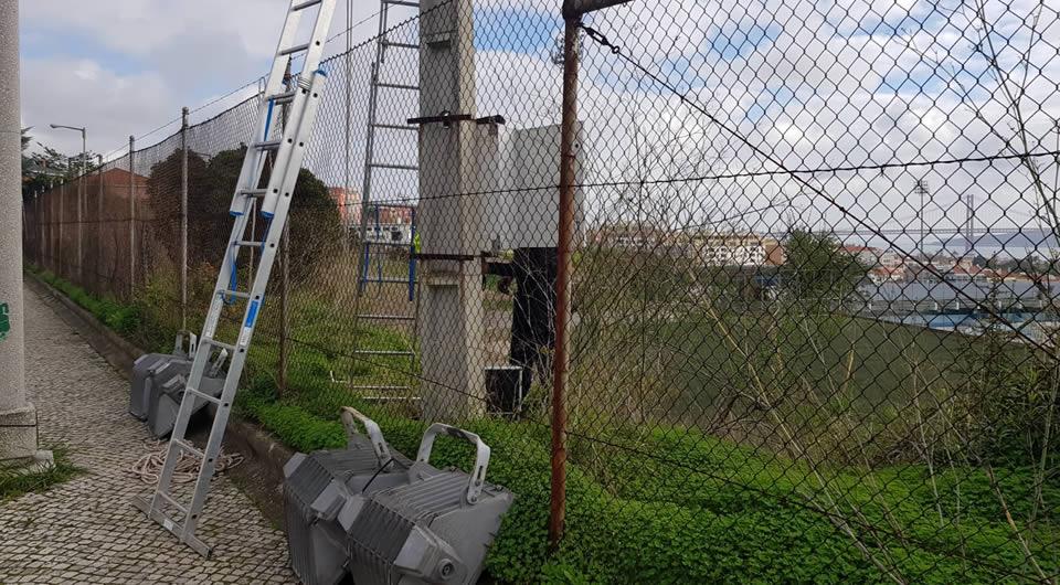 Arrancaram os trabalhos de substituição da iluminação do Complexo do Restelo