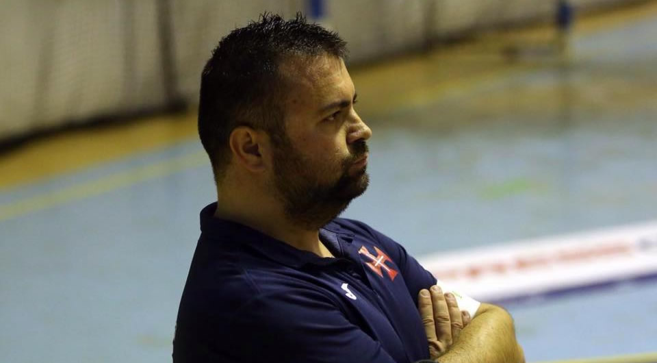 Tiago Galhano deixa o comando técnico da equipa feminina de futsal