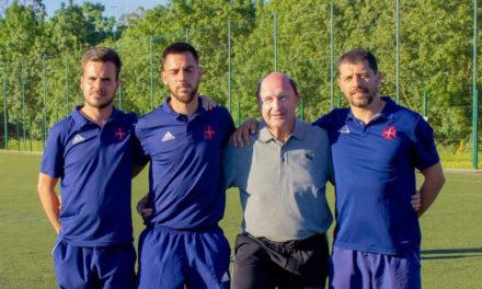 Técnicos do Belenenses em acção de formação com Juan Vilà