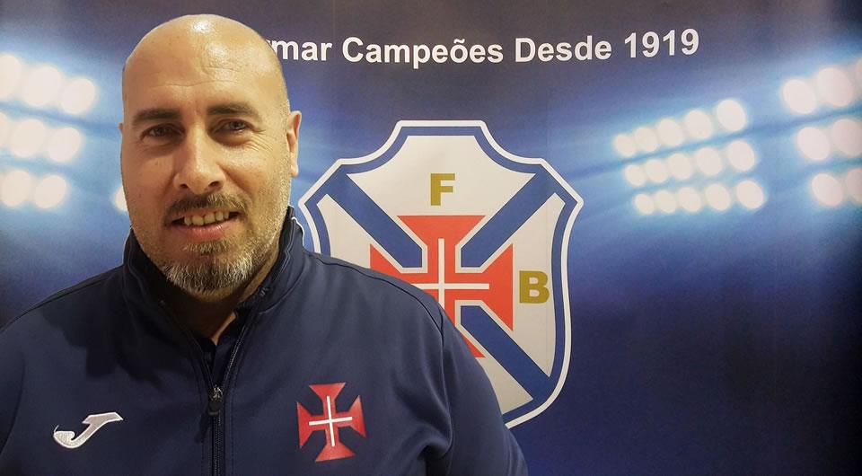Filipe Carneiro no comando técnico da equipa feminina de futsal