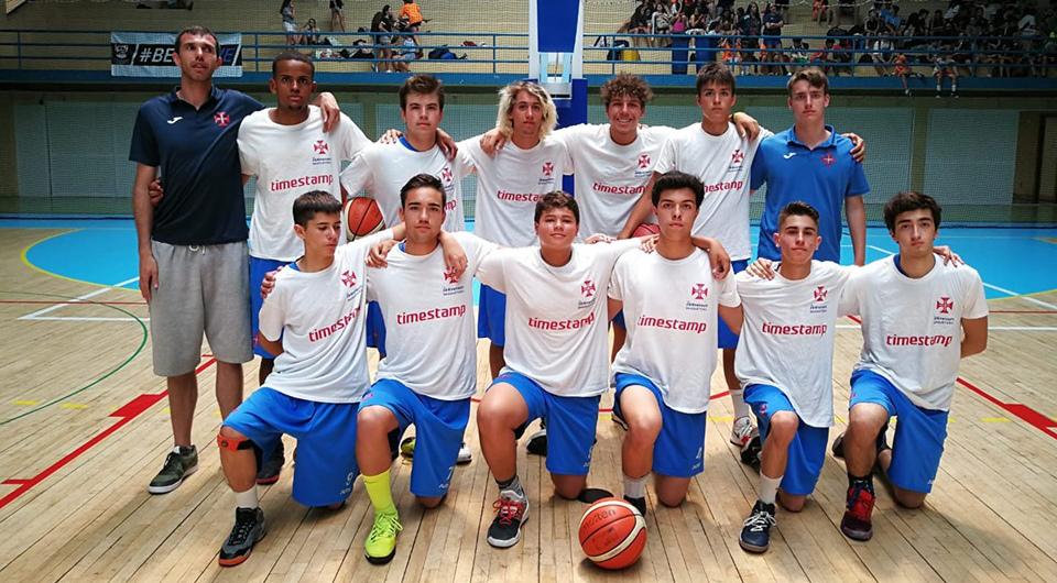 Sub-18 vencem Torneio de Basquetebol de Tavira