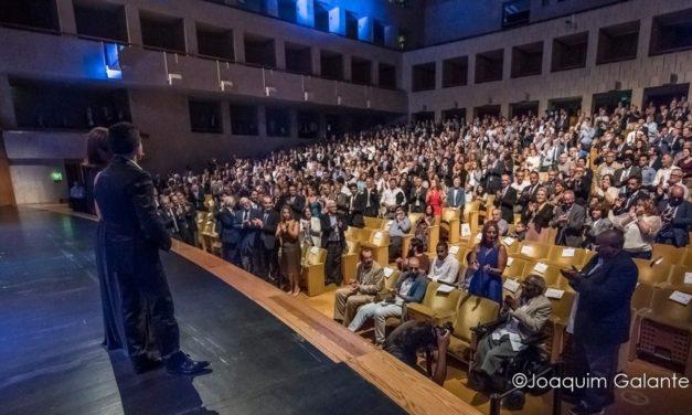 Casa cheia no CCB para gala do centenário (veja os vídeos)