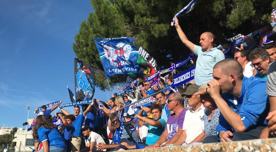 Triunfo por 0-4 na Bobadela mantém os azuis na liderança isolada