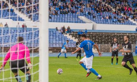 Oitava vitória dos azuis eleva para 7 pontos a vantagem sobre o segundo lugar