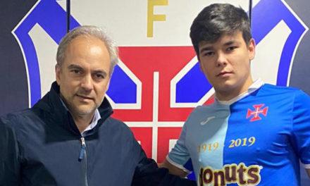 Lateral-esquerdo brasileiro Felipe Haga reforça o plantel de Nuno Oliveira