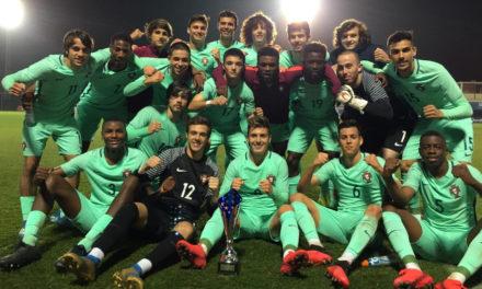 Selecção Sub-18 vence em Espanha com o guarda-redes do Belenenses João Oliveira