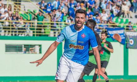 Goleador Bruno Botas no Restelo por mais uma temporada