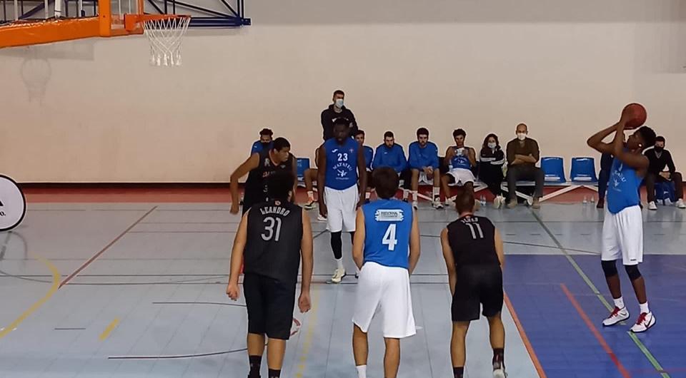 Azuis vencem em Queluz e mantêm-se no topo da tabela da Proliga