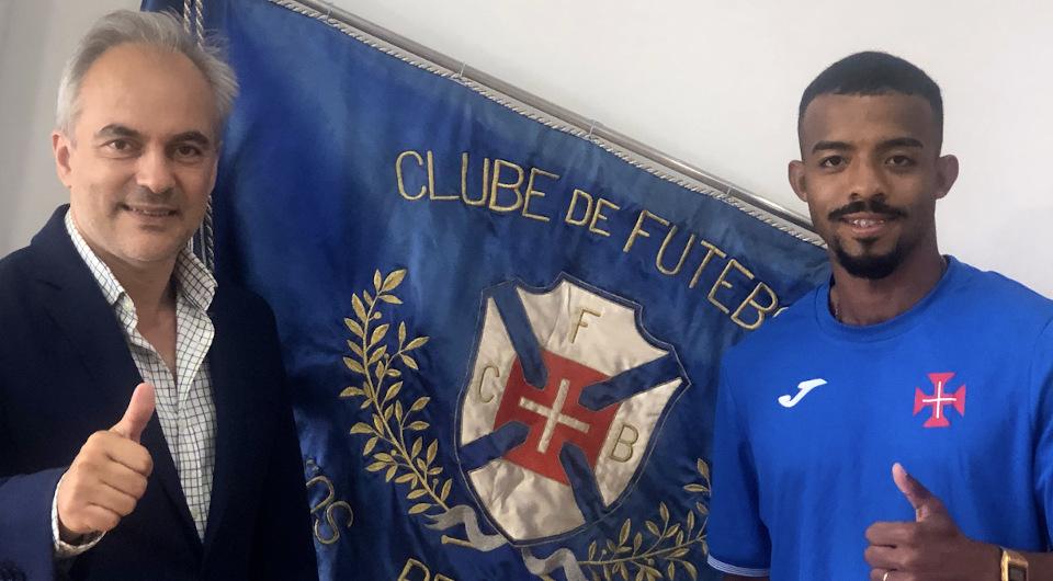 Extremo brasileiro Flavinho reforça o plantel de Nuno Oliveira