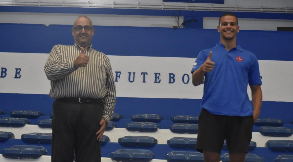 Daniel Pita chega ao Restelo para reforçar plantel de Carlos Caetano