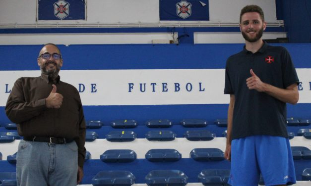 Poste Alex Preston chega dos Estados Unidos para reforçar basquetebol