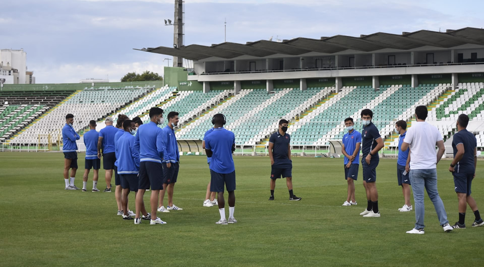 Estádio do Bonfim recebeu um Clássico em mais um sábado de preparação