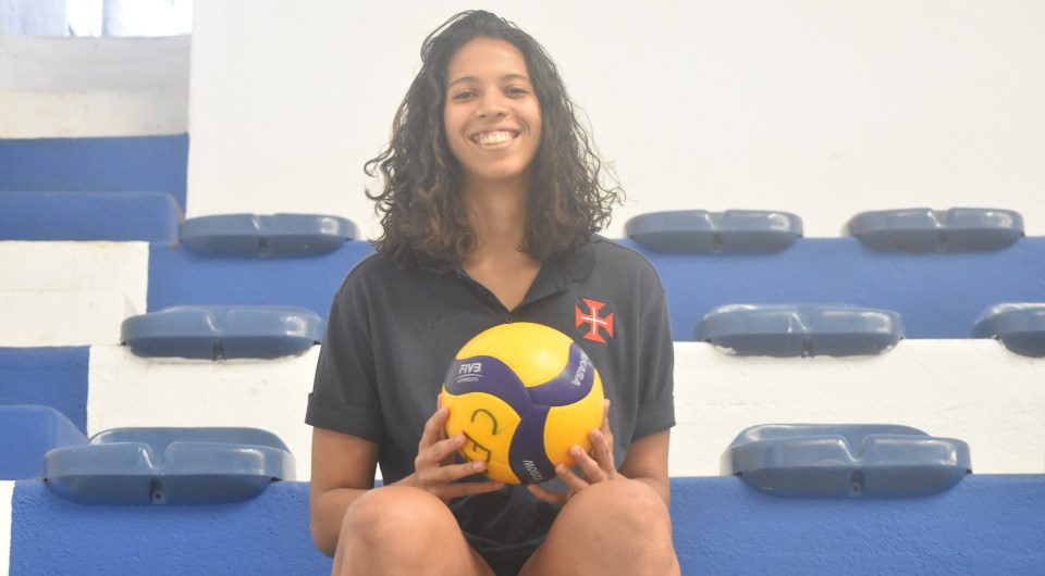Thamiere Mello chega do Brasil para reforçar plantel de voleibol
